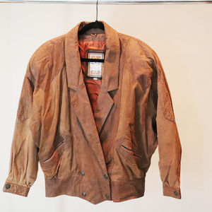 Jackets & Blazers - VINTAGE LEATHER JACKET SIZE SMALL